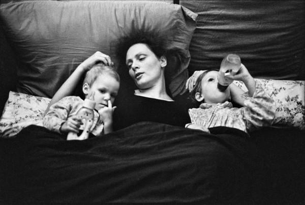 Dana Kyndrová - z cyklu Žena - Curych, černobílá fotografie, 53 x 37 cm, 1993