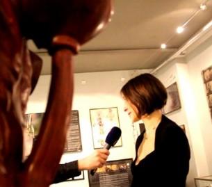 Zde lze shlédnout reportáž o výstavě LÁSKA JE SLEPÁ, SEX JE JINDE, kterou odvysílala ČT 24 / kultura