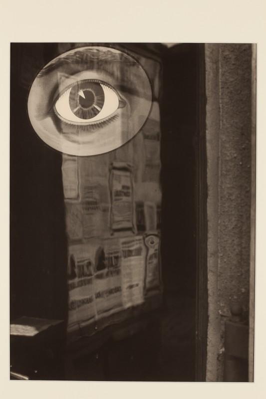 Jaromír Funke: Z cyklu Čas trvá (oko), 1932, pozdější zvětšenina 2005