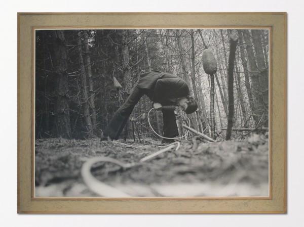 František Skála: z cyklu ON, 1991, černobílá fotografie na hobře