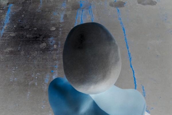 Pavel Mára: Negativní hlava VI,  barevná fotografie, archivní pigmentový tisk na papíru Hahnemühle, 1/5 2011, 106 000Kč